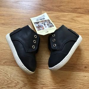 Toms Shoes - Tiny Toms Paseo Mid Sneakers Size 4 Baby Toddler